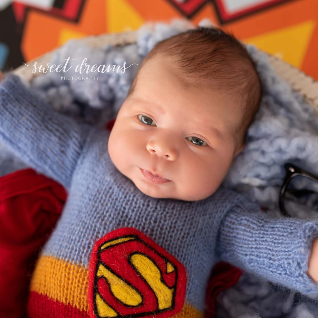 Süperman Temalı Bebek Fotoğrafları