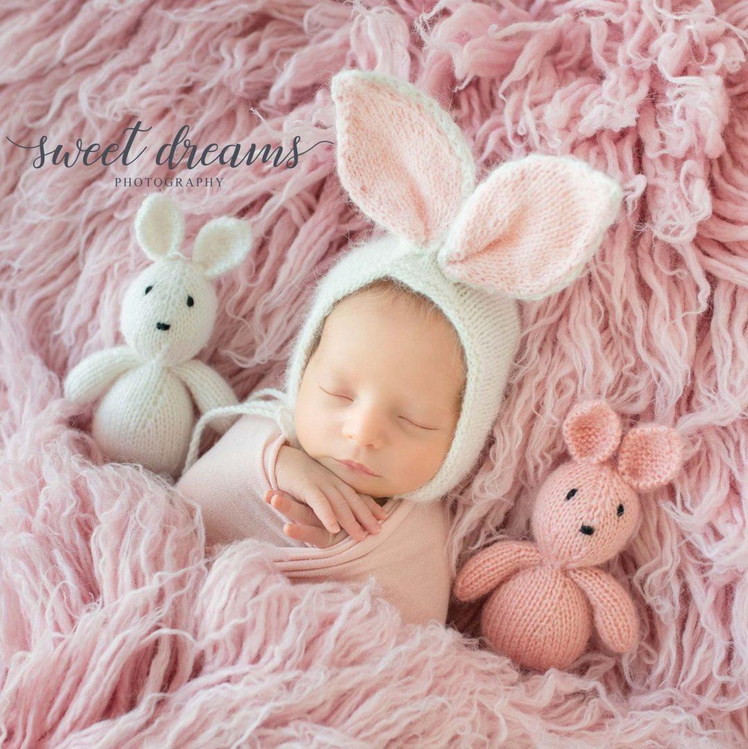Tavşan kostümlü yenidoğan fotoğrafları
