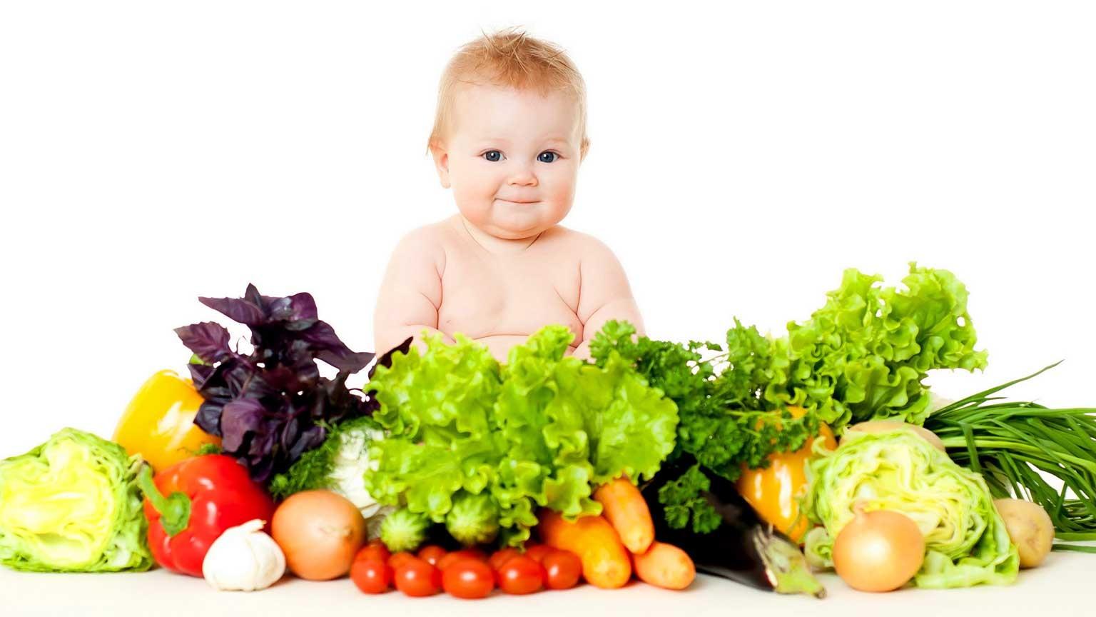 Bebeklerde Ek Gıda Süreci Başlıyor: Uçak Geliyooor | Bebek Beslenmesi